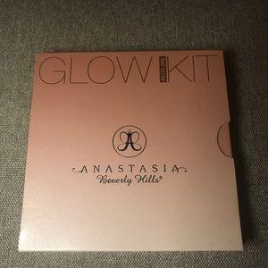 Anastasia Beverly Hills Glow Kit- That Glow